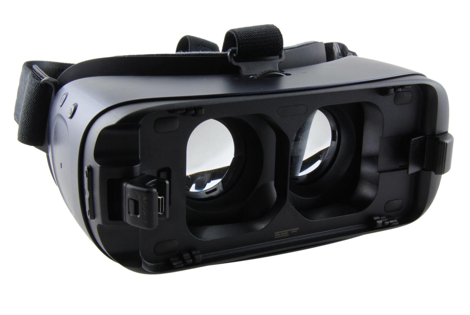 kinh thuc te ao samsung Gear vr r323 chinh hang 15 - Kính thực tế ảo Samsung Gear VR 2 chính hãng